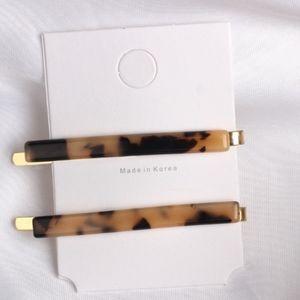 Leopard Acrylic Hair Pins